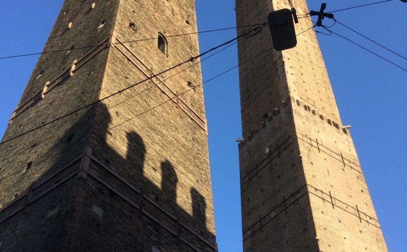 すべての道は2本の塔に通ず